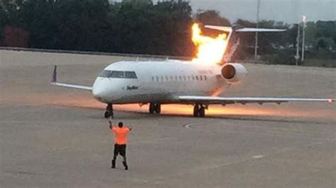 Delta operated SkyWest plane briefly flares up at