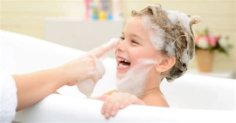 Children: how often should you wash their hair?