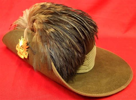 **SOLD** AUSTRALIAN 2nd CAVALRY PARADE SLOUCH HAT WITH EMU