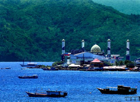 Introduction to the Moluccas - Latitudes